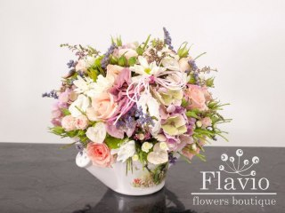 Доставка квітів - Композиція у чайничку